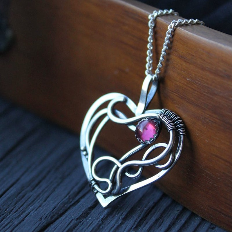 GARNET AND WIRE HEART PENDANT IN SILVER FOR GIFTING