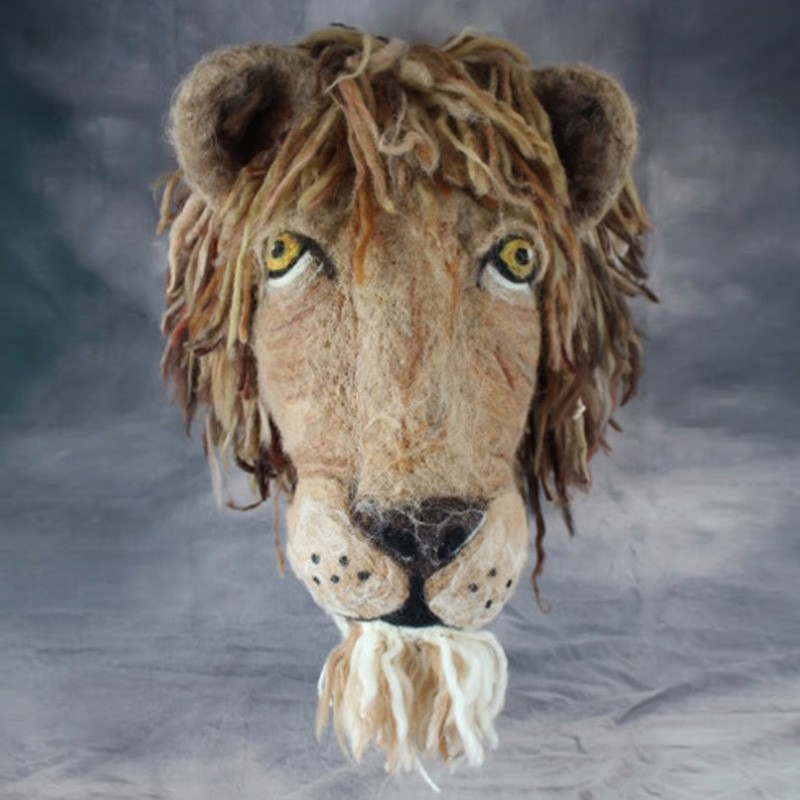 Lifelike Fibre and Wool Lionhead