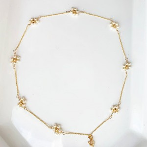 Pearly Flowers Necklace